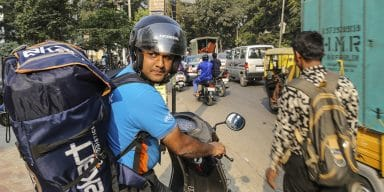 The Deliverymen Behind India's New Class of Shopaholics