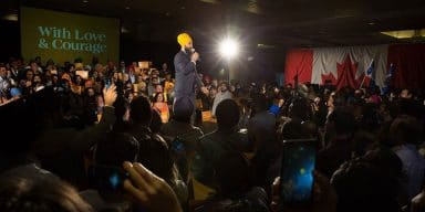 Jagmeet Singh Wins Fans With Response to Racist Heckler in Canada